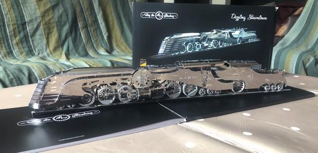 Dazzling Steamliner par David